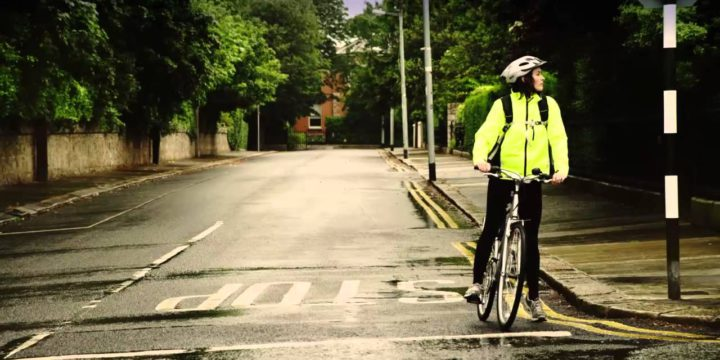Urban cycling: Top 10 safety tips
